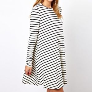 Dresses & Skirts - Navy and white swing dress